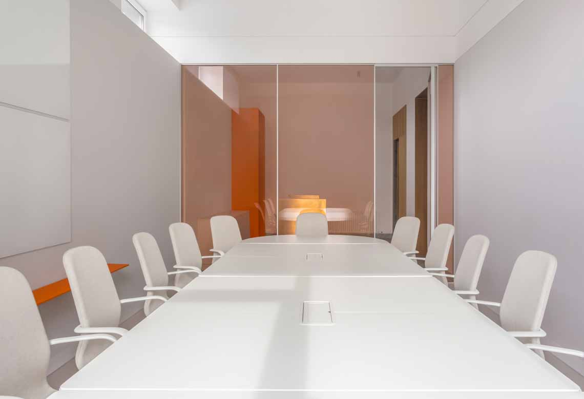 Dự án FG OFF – Một văn phòng không gian hình học màu cam -2