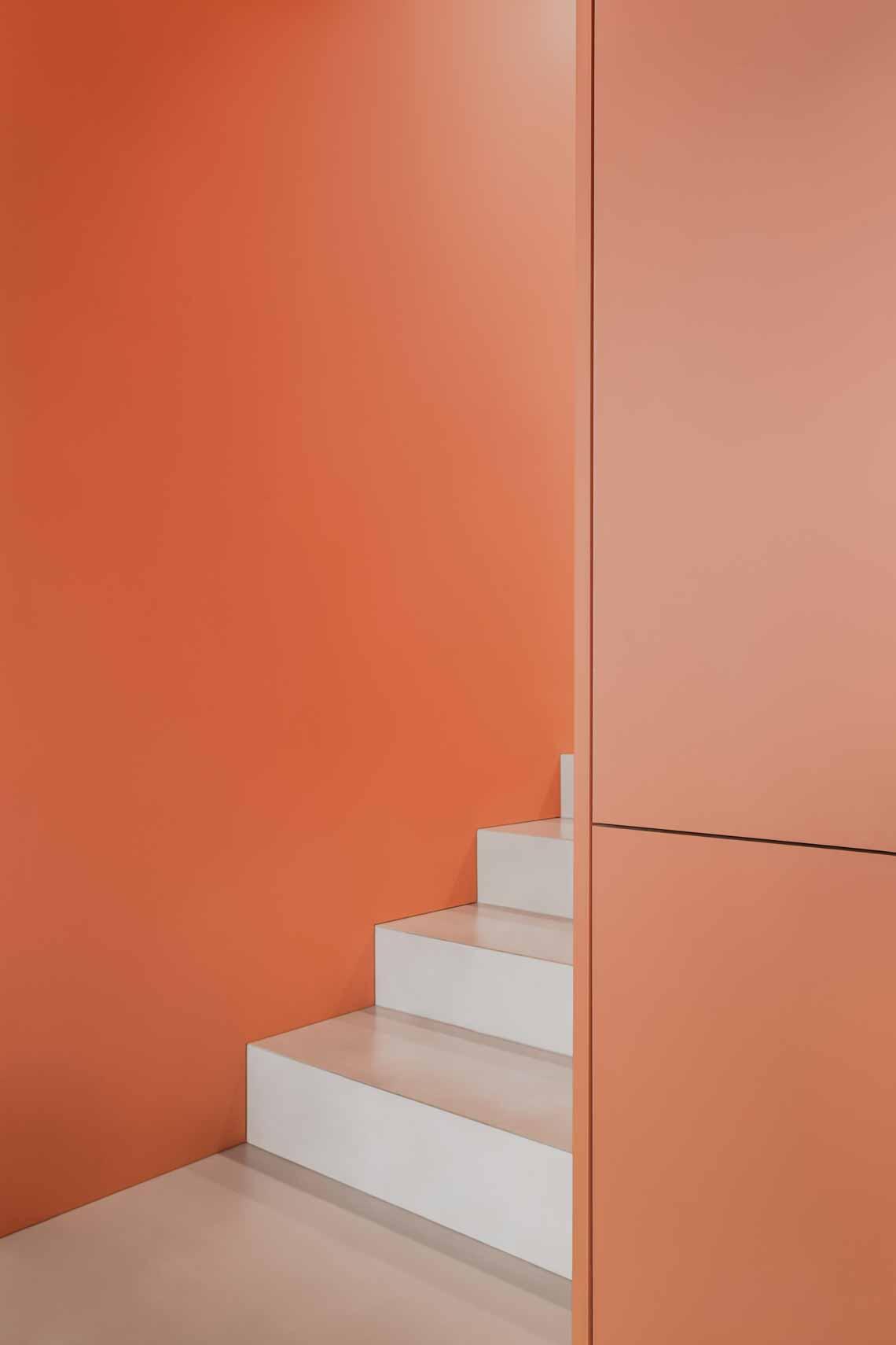 Dự án FG OFF – Một văn phòng không gian hình học màu cam -14