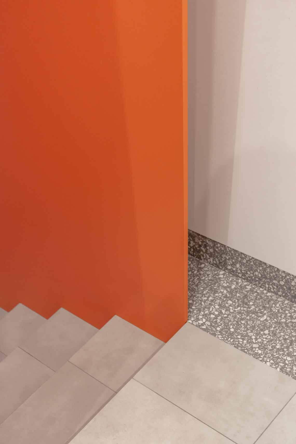 Dự án FG OFF – Một văn phòng không gian hình học màu cam -24