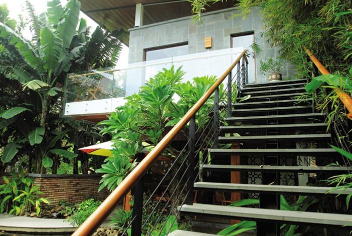 Nhà vườn kiểu nhiệt đới đương đại, hòa trộn các hành Kim – Thủy – Mộc nhẹ nhàng, hiệu quả