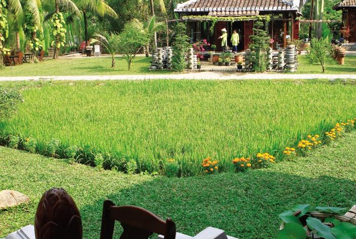 """Nhà vườn dân dã, tự nhiên khá hợp với xu hướng """"sống xanh"""" hiện nay, được khai thác trong các khu nghỉ dưỡng cao cấp"""