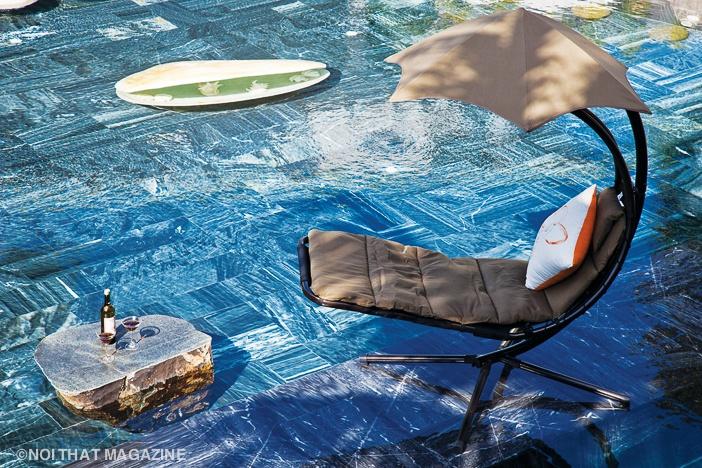 Chỗ thư giãn ngay trên mặt hồ