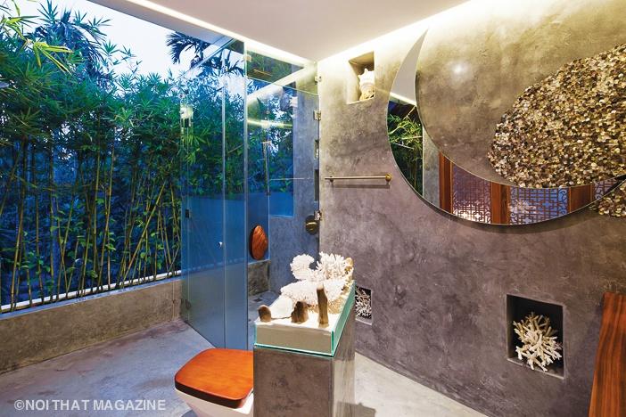 Phòng tắm như giữa thiên nhiên với trang trí gợi hình ảnh biển khơi