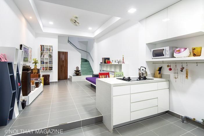 Gian bếp và phòng khách ở nhiều góc nhìn