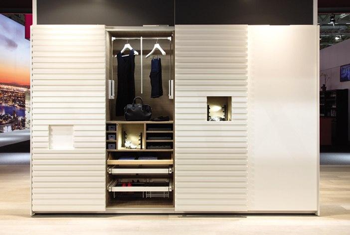 Tủ quần áo đa chức năng với cửa trượt Slido
