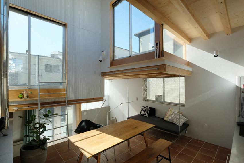 Nội thất của ngôi nhà hộp xếp chồng lên nhau ở Tokyo