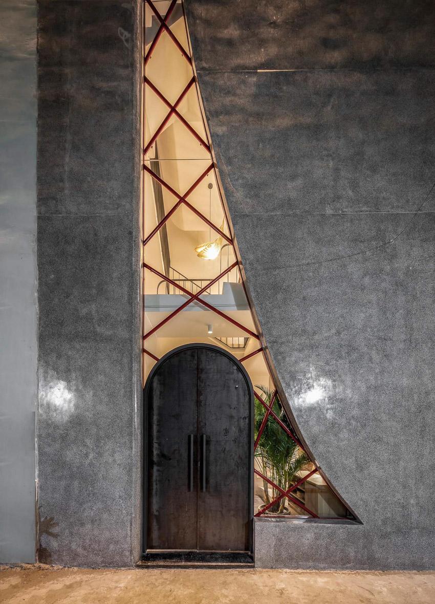 Cửa sổ vượt cỡ tạo nét thiết kế độc đáo cho ngôi nhà ở Sài Gòn - 5