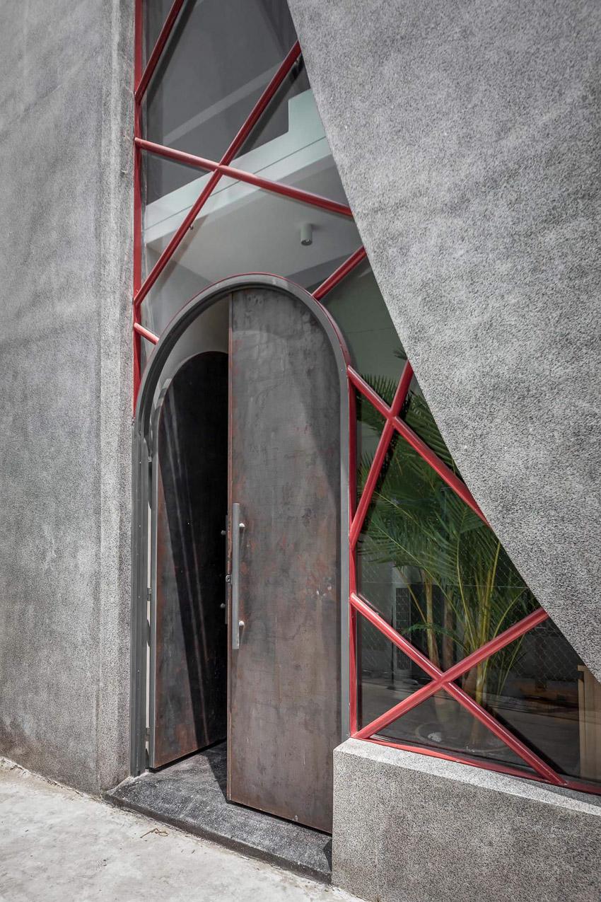 Cửa sổ vượt cỡ tạo nét thiết kế độc đáo cho ngôi nhà ở Sài Gòn-7