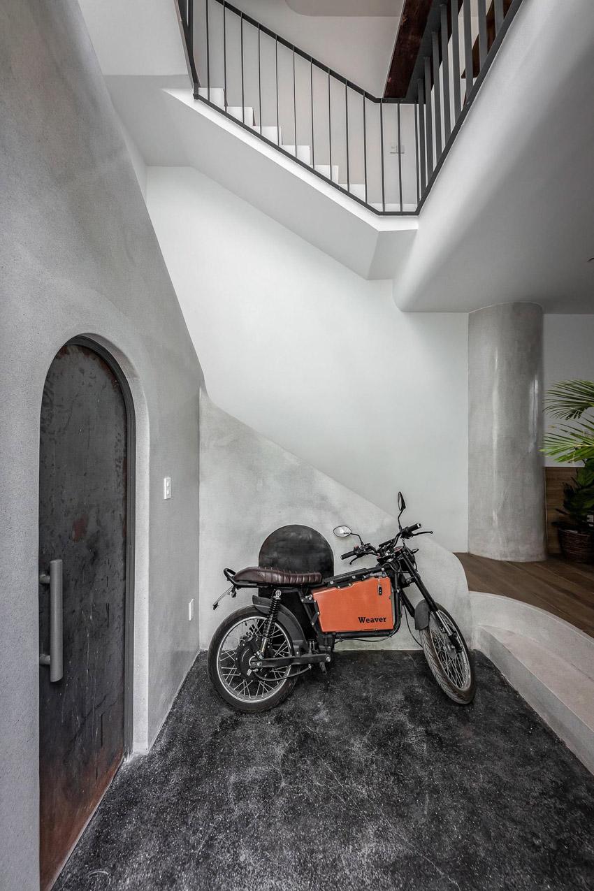 Cửa sổ vượt cỡ tạo nét thiết kế độc đáo cho ngôi nhà ở Sài Gòn-9