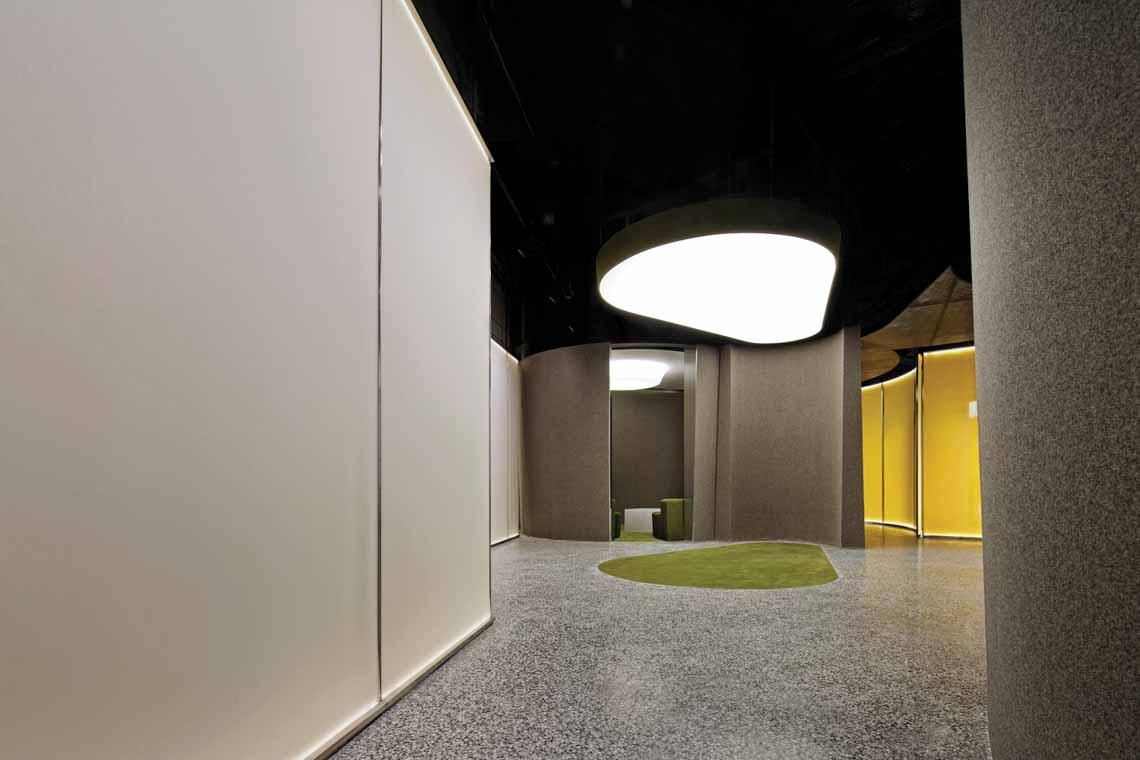Màu của năm 2021 Pantone: Vàng và xám trong kiến trúc - 36