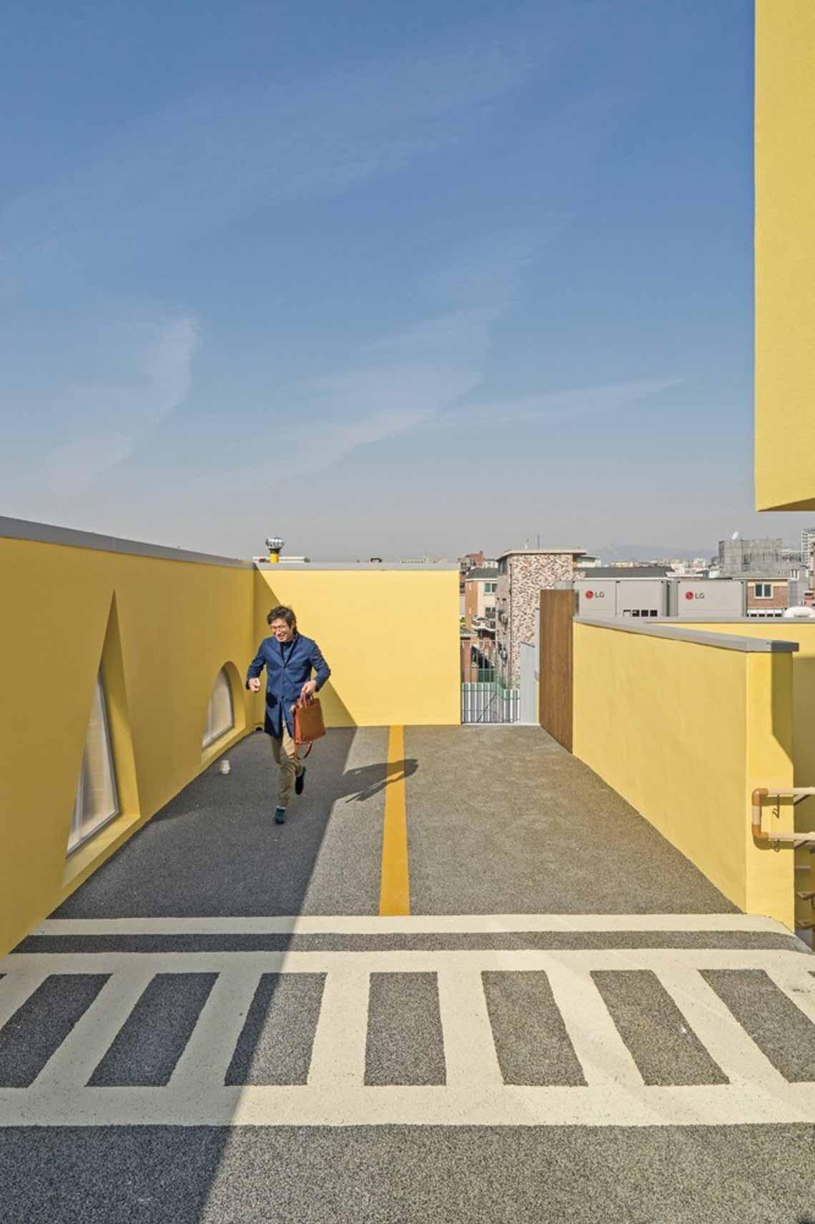 Màu của năm 2021 Pantone: Vàng và xám trong kiến trúc - 38