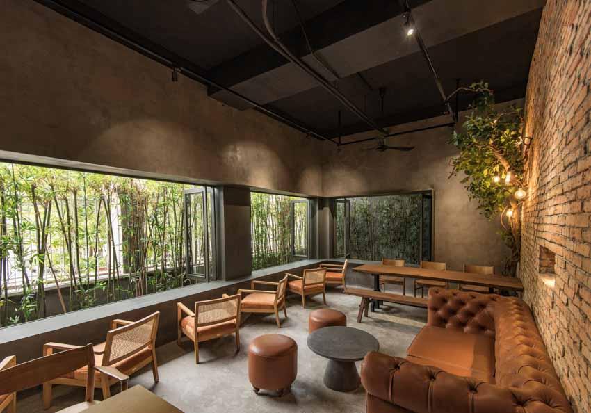 Quán café hoài cổ được cải tạo lại từ một tòa nhà cũ tại Đà Nẵng - 3