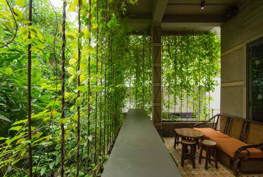 Quán café hoài cổ được cải tạo lại từ một tòa nhà cũ tại Đà Nẵng - 7