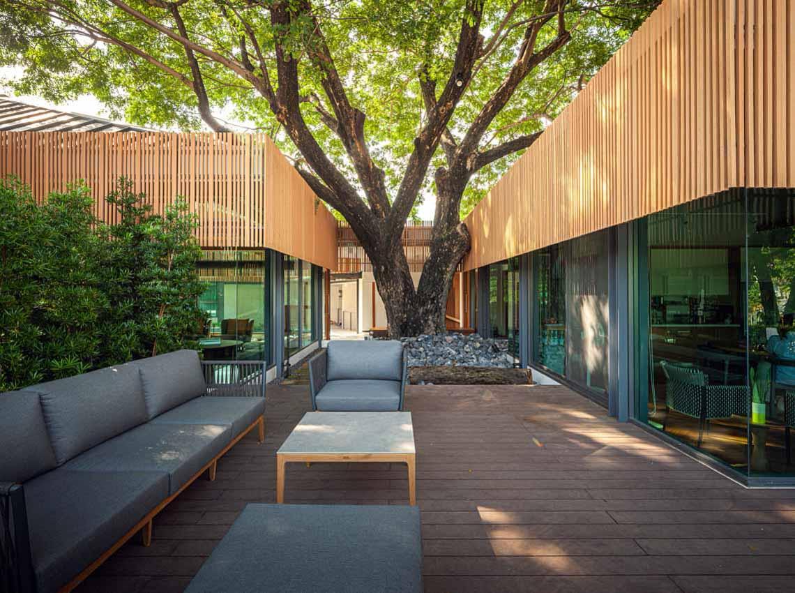 Ngôi nhà dưới bóng cây - 4