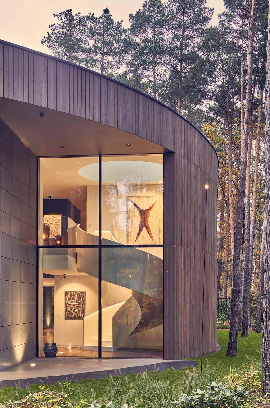 Ngôi nhà thiết kế hình tròn cho một chủ nhân yêu nghệ thuật và thiên nhiên - 6