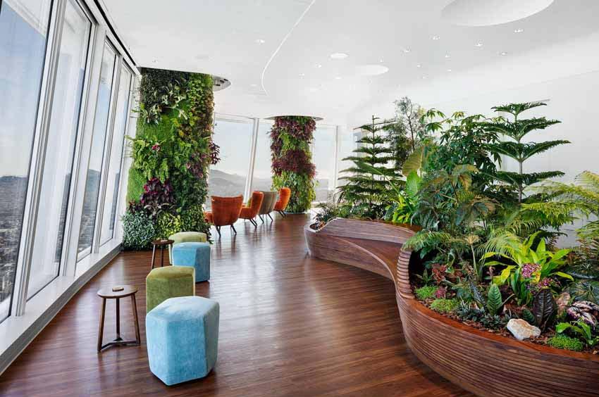 Khu vườn xanh quyến rũ trên những chiếc cột của tòa nhà văn phòng - 2