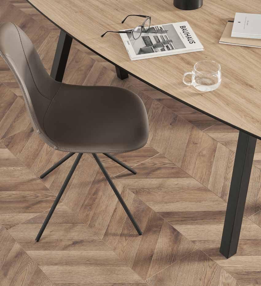 Lắng nghe câu chuyện về Laminate Flooring - 4