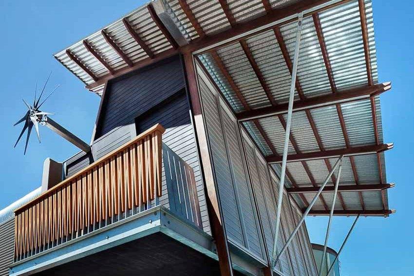 Ngôi nhà ở ngoại ô Sydney với khoảng sân tràn nắng đầy gió