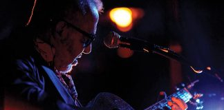 Huyền thoại guitar Henry Padovani biểu diễn tại Metropole Hà Nội