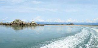 Đảo Cái Chiên thành phố Móng Cái ngày hè xanh mát