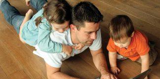 Giờ giấc làm việc của cha mẹ có ảnh hưởng đến trẻ