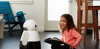 Mẫu robot gia đình có tên Kuri.