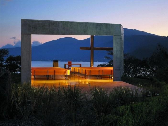 Cardedeu – thiết kế bởi EMC Arquitechture (Lago de Coatepeque, El Salvador)