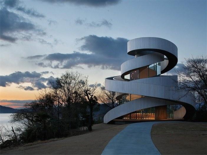 Ribbon Chapel – thiết kế bởi Hiroshi Nakamura & NAP Co., Ltd (Hiroshima, Nhật Bản)