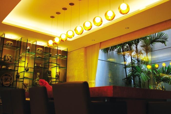 Đèn trang trí cần phù hợp với nội thất