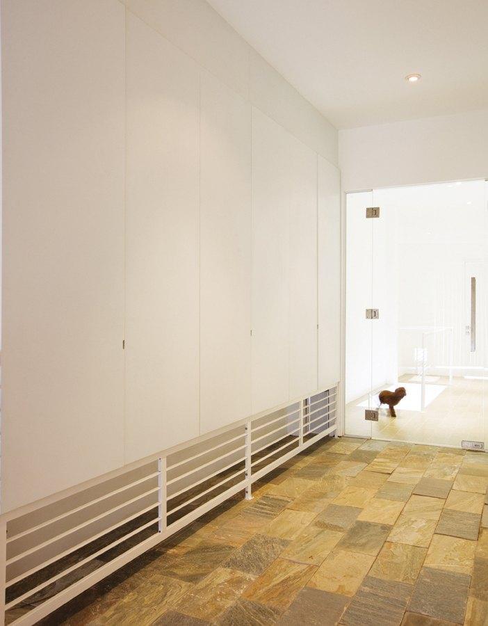 Hành lang từ cầu thang dẫn tới phòng ngủ gia chủ
