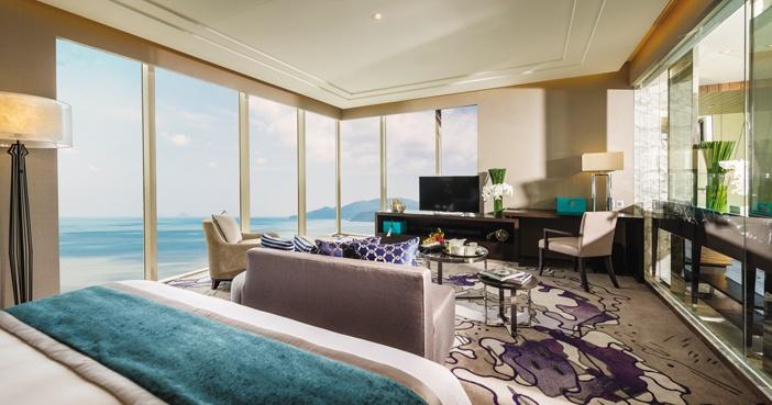 Phòng suite mở tầm nhìn ra đại dương