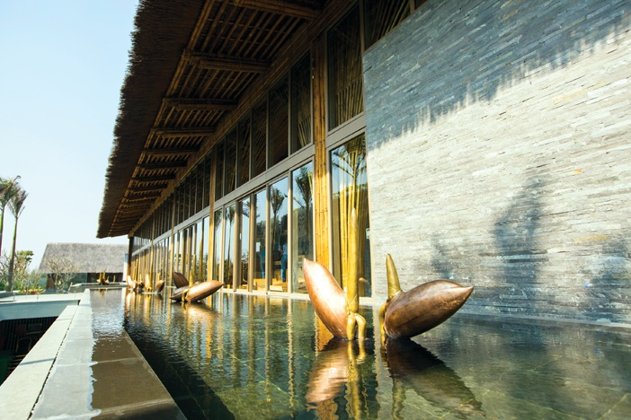 Không gian nghỉ dưỡng tuyệt hảo được hình thành từ những chất liệu truyền thống Việt Nam