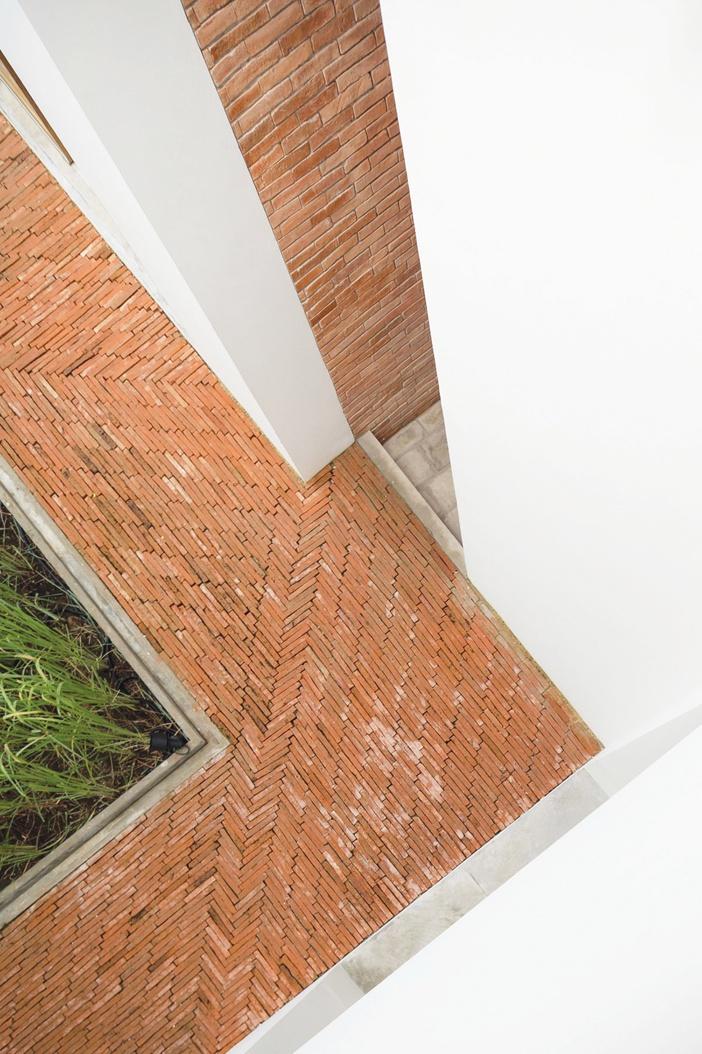 Gạch trần còn được vận dụng ở nhiều không gian khác nhau trong khách sạn
