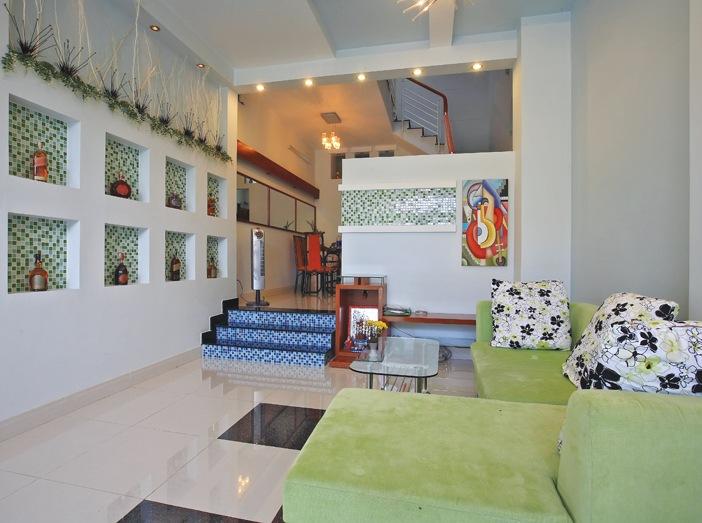 Bài trí tương hợp hình và thế giúp phòng khách dù cổ điển - cầu kỳ hay giản đơn - hiện đại đạt được tính đồng nhất về trường khí với toàn nhà