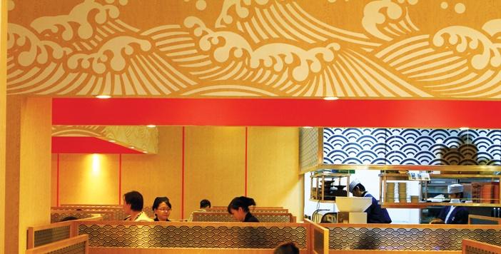 Dễ nhận dạng nét đặc thù ở tổ hợp ký hiệu, màu sắc, vật liệu... của các nhà hàng Nhật