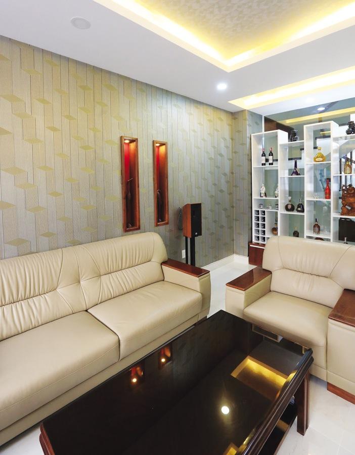 Giấy dán tường là giải pháp làm mới nội thất nhanh gọn, ít bụi bặm và tạo thẩm mỹ nếu khéo phối kết với vật dụng