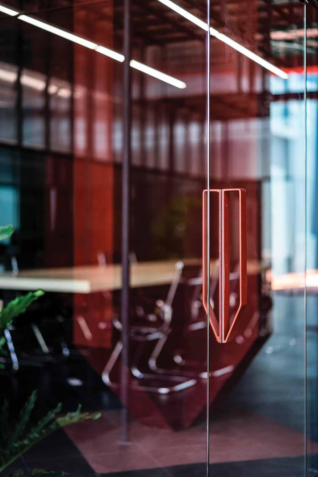 Khối nằm trong khối - dự án cải tạo văn phòng đại diện