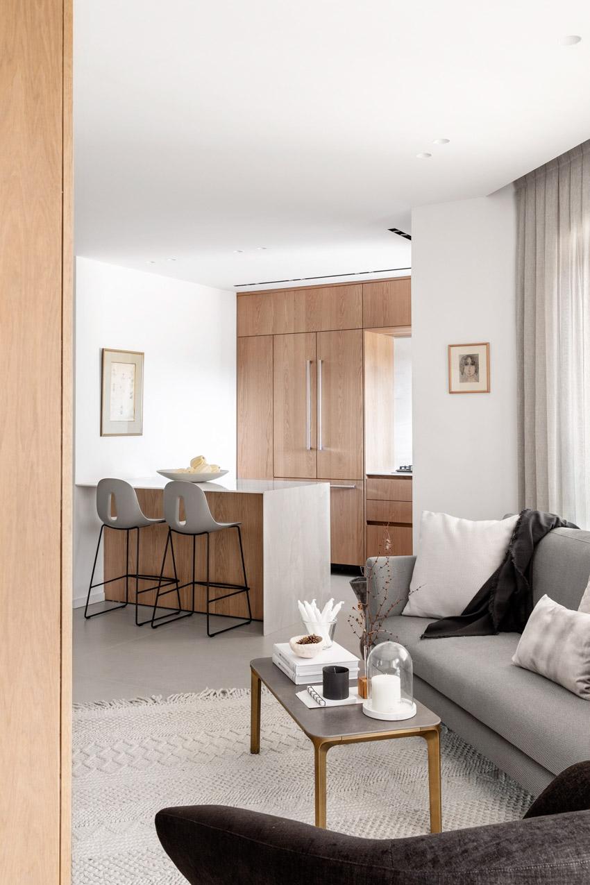 Khám phá căn hộ hiện đại ấm cúng với tông màu xám nhẹ và hồng pastel - 04
