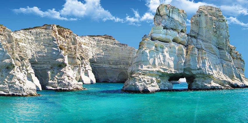 Những vách đá kỳ vĩ tại khu vực Papafragos