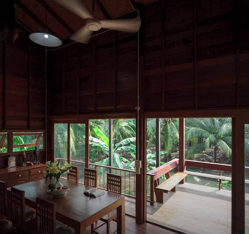 Ngôi nhà sàn gỗ ấm áp nằm giữa vườn dừa xanh mát - 5
