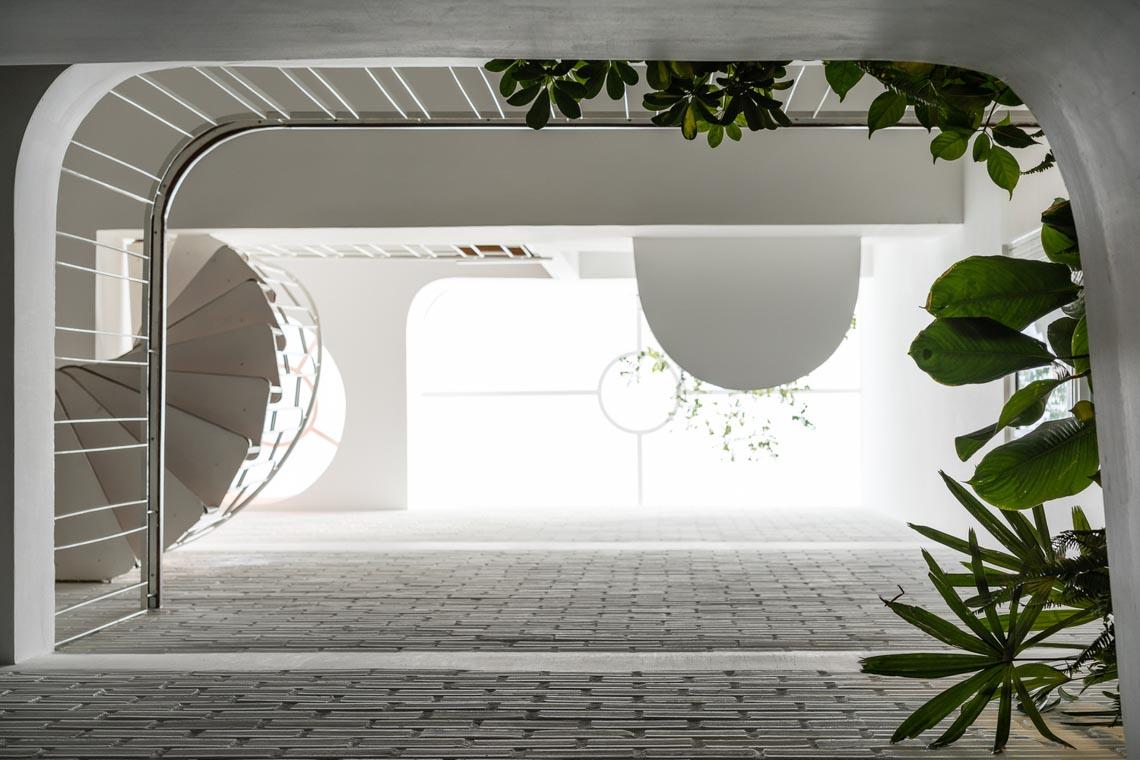 V House – ngôi nhà tràn ngập ánh sáng với những mảng xanh -21