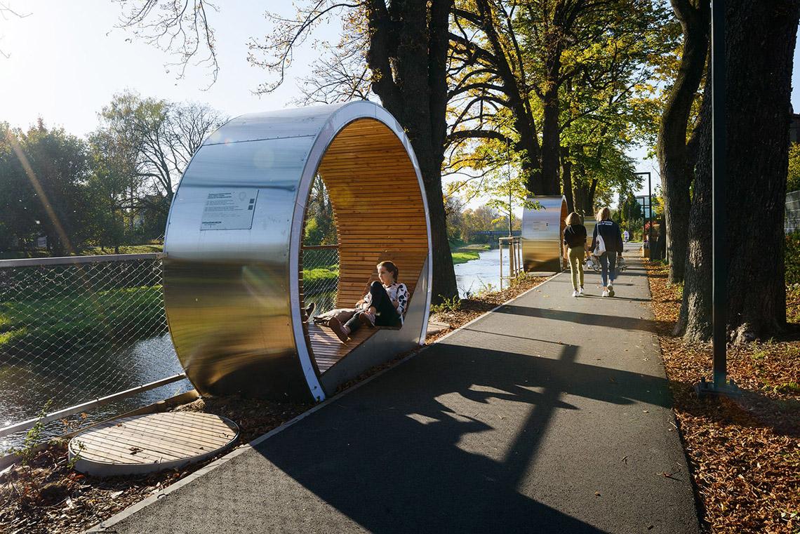 The Times Circles - chỗ ngồi thư giãn dọc bờ sông -2