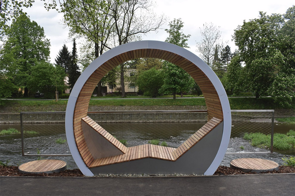 The Times Circles - chỗ ngồi thư giãn dọc bờ sông -4