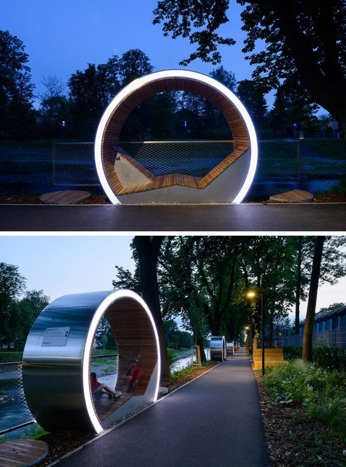 The Times Circles - chỗ ngồi thư giãn dọc bờ sông -7