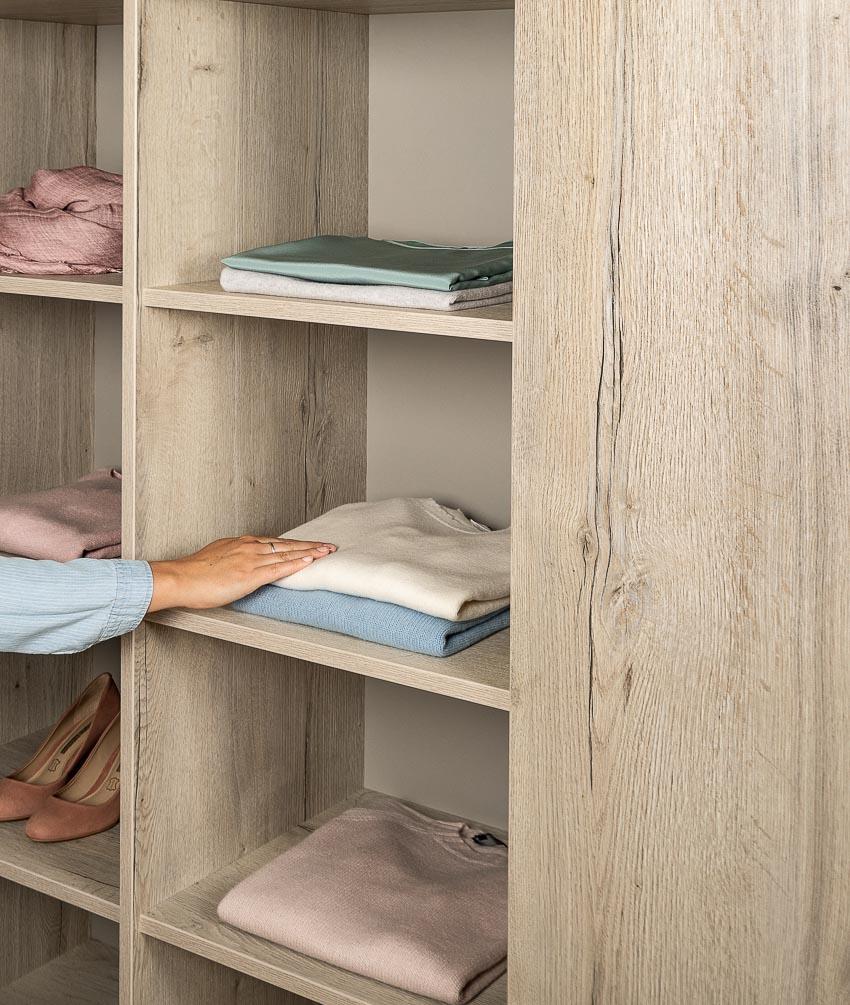 Với các bề mặt Feelwood tự nhiên của EGGER, các sản phẩm nội thất sở hữu vẻ đẹp xuất sắc mà bạn có thể cảm nhận khi sờ vào