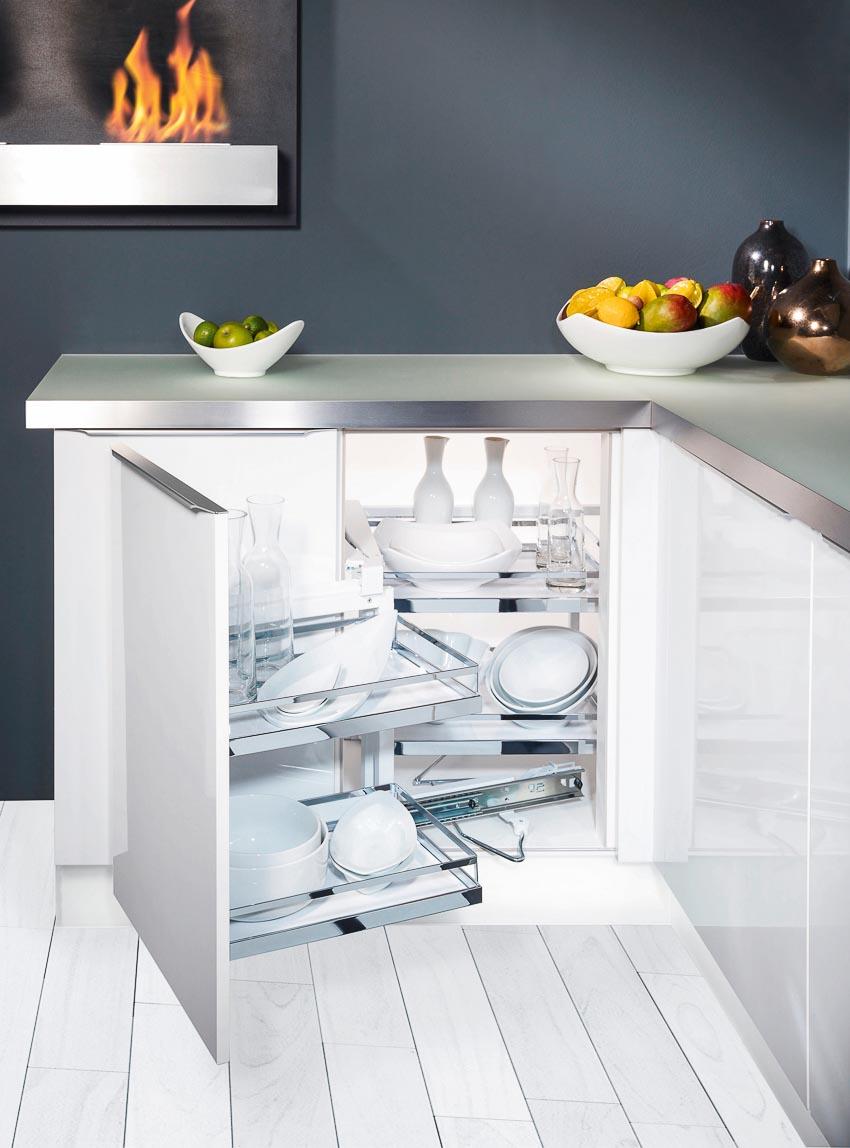 Phụ kiện góc tủ bếp và phụ kiện tủ bếp dưới tối ưu hóa từng góc bếp với cơ chế hoạt động nhẹ nhàng, êm ái 2