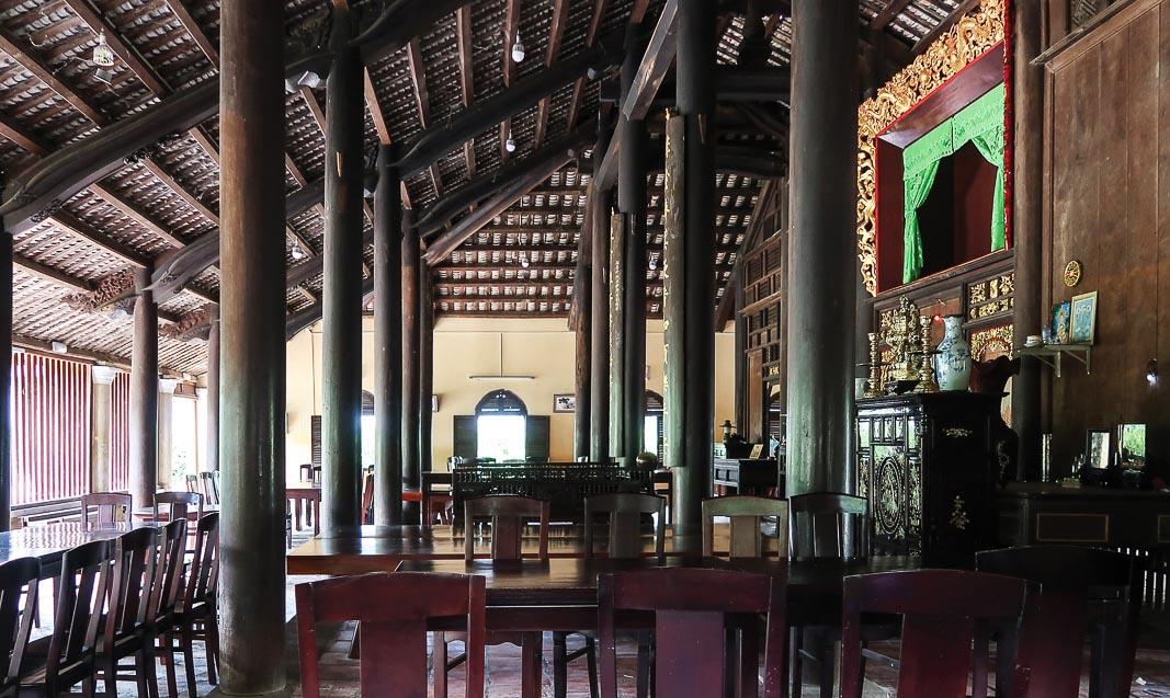 Cấu trúc giáo đường Tây phương hay nhà xưa Việt luôn điều tiết rất tốt ánh sáng, trục nhìn và khả năng nghe rõ trong không gian 1