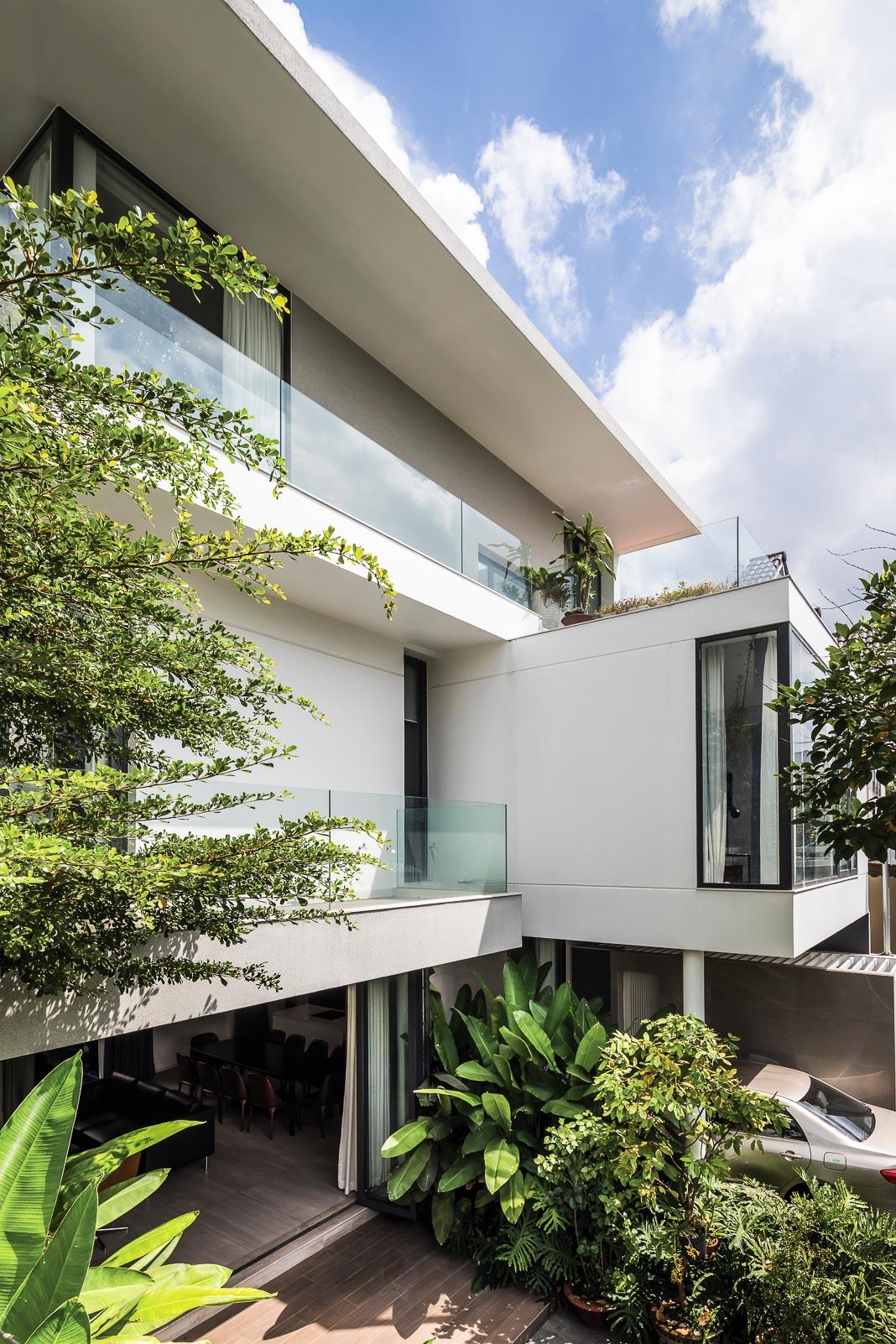 Kiến trúc tổng thể nhìn từ sân vườn với các thời điểm ánh sáng khác nhau 1