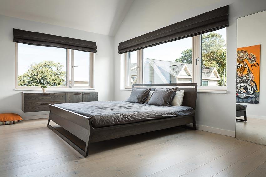 Phòng ngủ master tầng trên