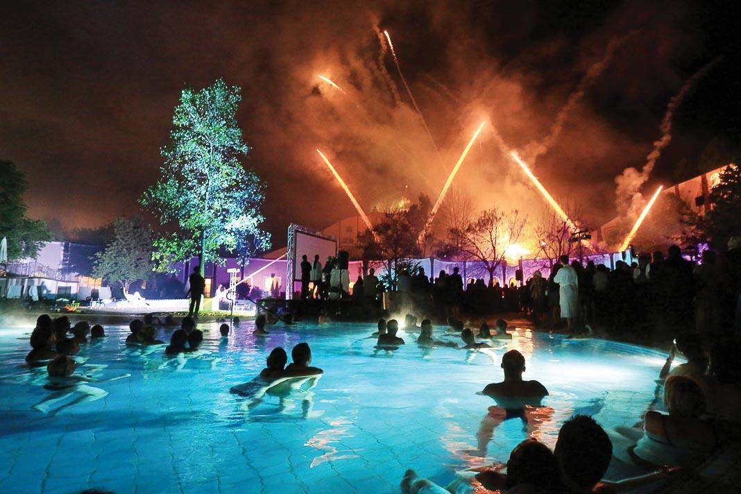 Đêm lễ hội cuối năm